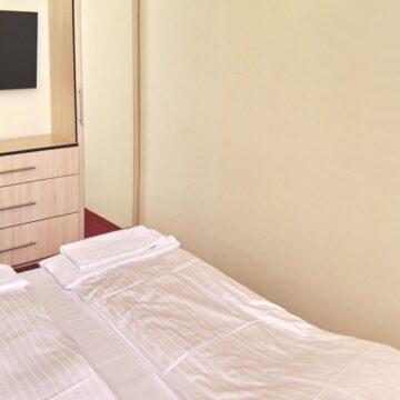 drag_hotel_18